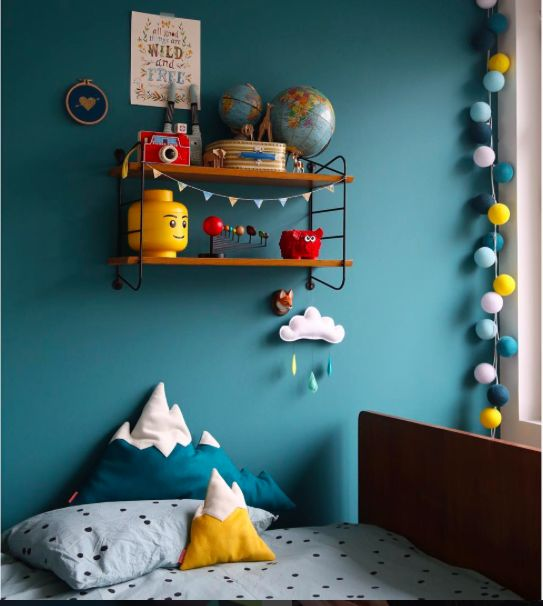 kinderkamer petrol geel blauw id e couleur t te de lit. Black Bedroom Furniture Sets. Home Design Ideas