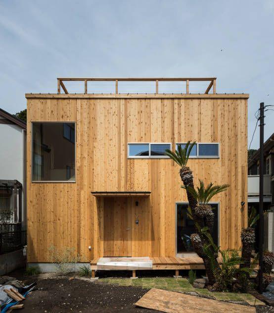 エンジョイワークス の オリジナルな 家 時を経てさらに美しくなるレッドシダーの外壁
