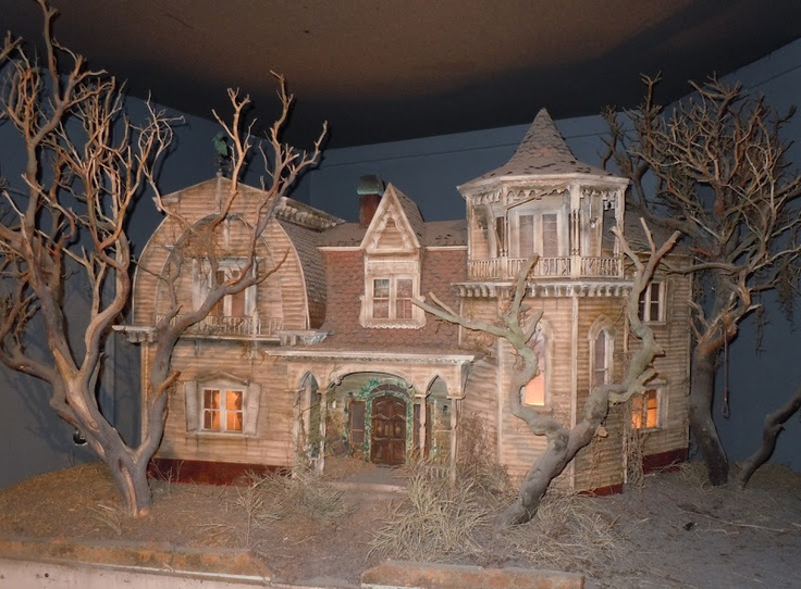 The Munsters house TV production miniature...