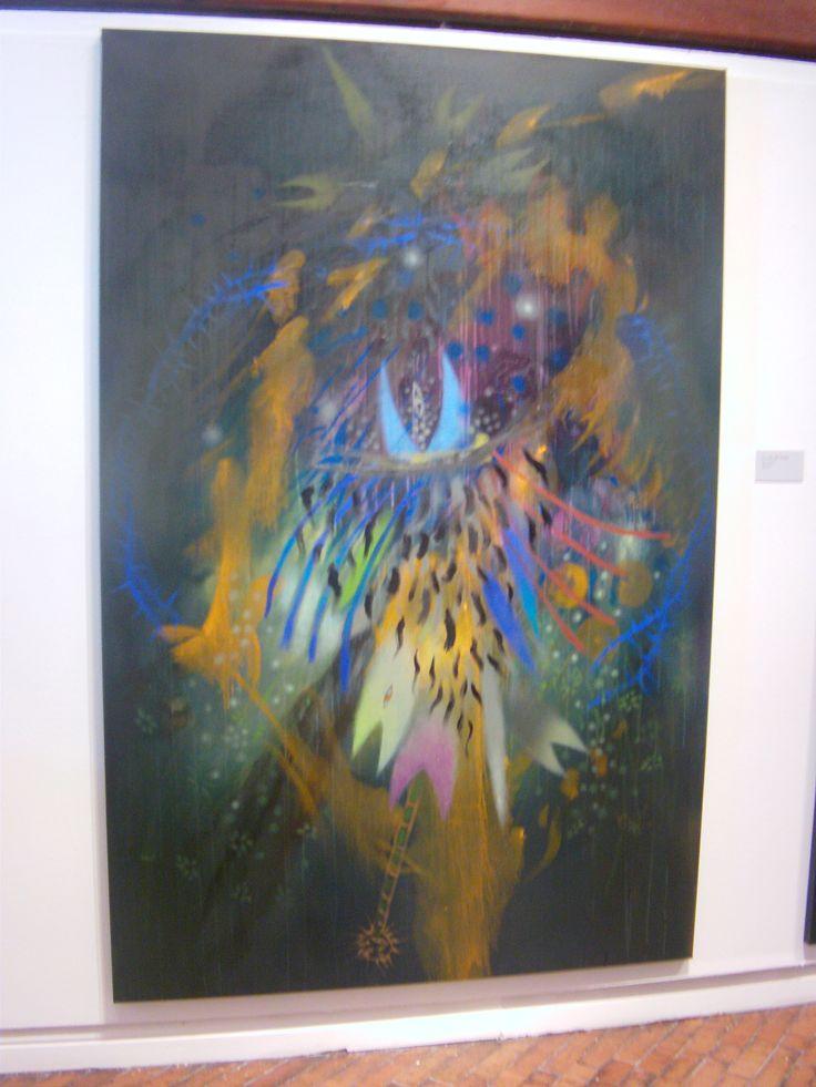 El pintor le da un manejo particular al color, que representa el universo inexplorado de la comunidad inga.