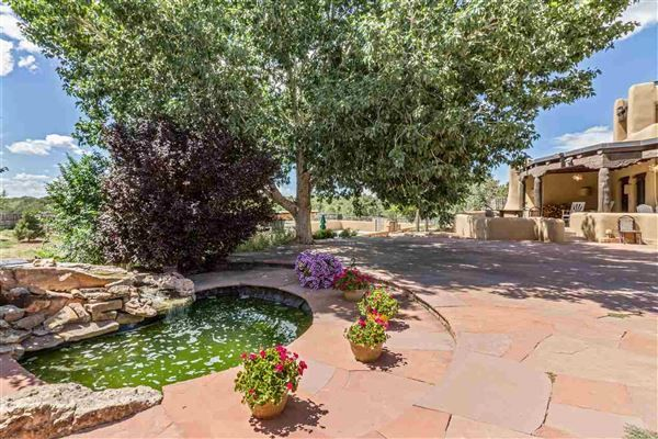 EXCEPTIONAL HOME IN ARROYO HONDO | New Mexico Luxury Homes | Mansions For Sale | Luxury Portfolio