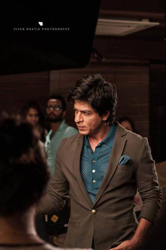 Behind-the-scene shot of Shah Rukh Khan's Filmfare photoshoot for August issue. #Bollywood #Style #Fashion