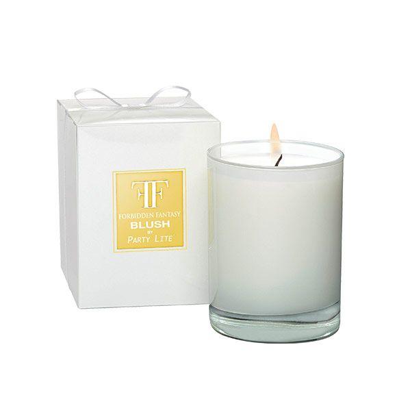 Fragrance Blush : Un signe révélateur d'affection : l'union innocente du raisin blanc, de la violette et du musc.