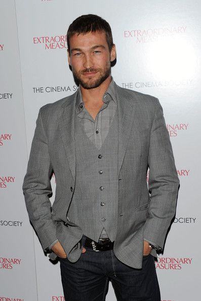 "Andy Whitfield Photos Photos - Actor Andy Whitfield attends the Cinema Society & John And Aileen Crowley screening of ""Extraordinary Measures"" at the School of Visual Arts Theater on January 21, 2010 in New York City. - The Cinema Society Screening Of ""Extraordinary Measures"""