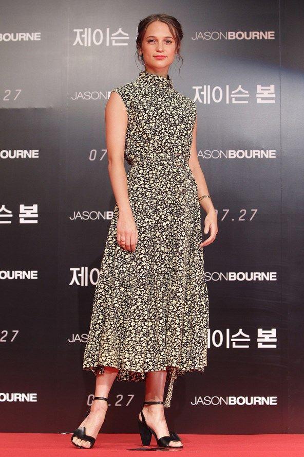 Alicia Vikander in Celine attends the 'Jason Bourne' press conference in Seoul. #bestdressed