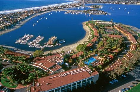 At Bahia Resort Hotel In San Diego Beach Cities You Ll