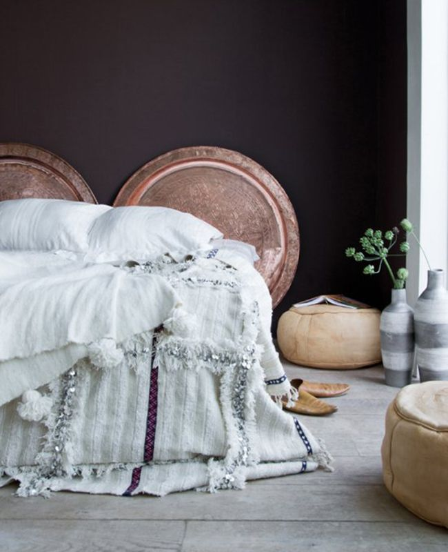The bedding | Copper Platters | 10 Incredibly Chic Alternatives to the Traditional Headboard