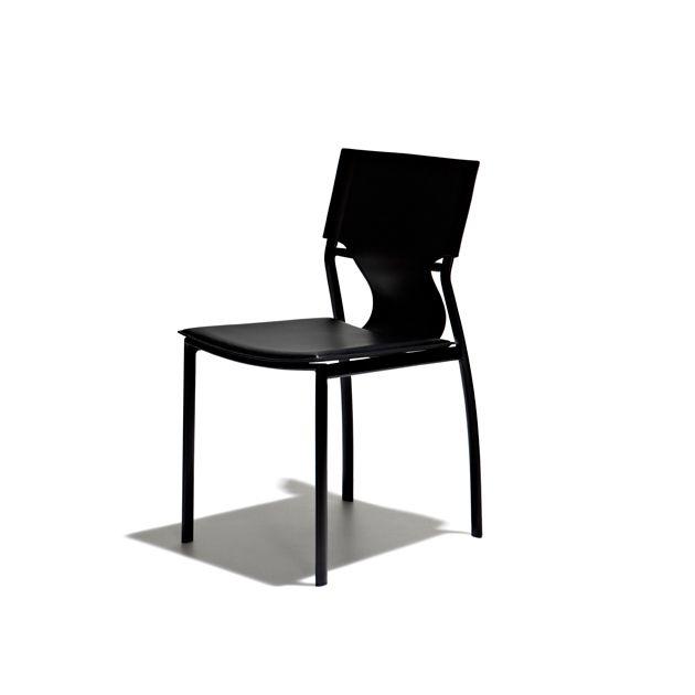Meixo - Matstol med sits i svart skinn och ben i svartlackat stål.