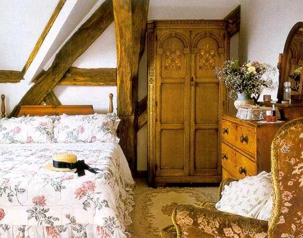 Продажа мебели: Спальни в деревенском стиле