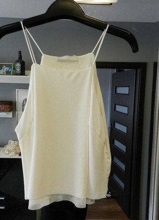 Kup mój przedmiot na #vintedpl http://www.vinted.pl/damska-odziez/bluzki-bez-rekawow/14380852-zara-kroti-kremowy-top-na-cienkich-ramiaczkach-sm