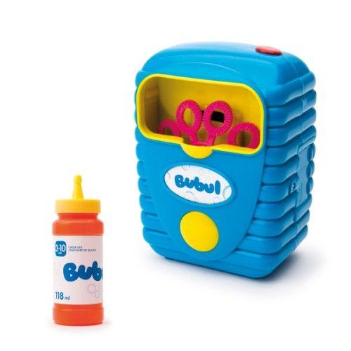Avec cette machine à bulles Bubul les bulles se créent par centaines en un temps record. L'enfant verse le liquide dans la machine et la met en route. Les anneaux tournent et les bulles apparaissent et s'envolent instantanément. L'enfant, seul ou avec ses amis, s'amuse ensuite à les éclater. Pratique, après utilisation le liquide à bulles peut être reversé dans la recharge.