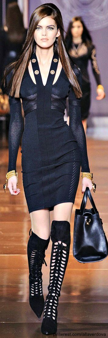 Versace Fall 2014 love the style! and the model is also very pretty! something surprising... :)