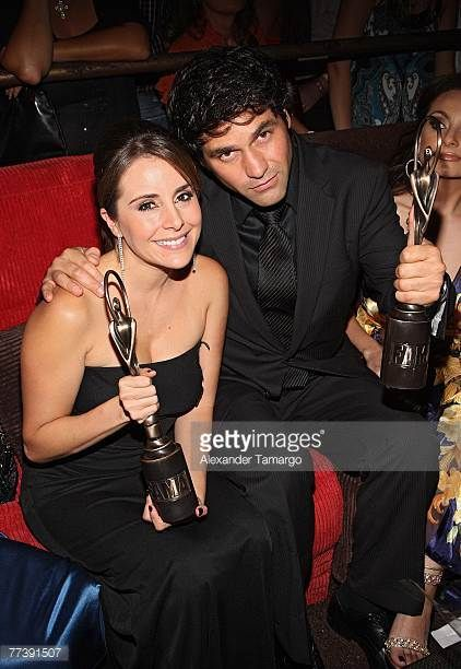 actress-karyme-lozano-and-actor-valentino-lanus-pose-during-the-fama-picture-id77391507 (422×612)