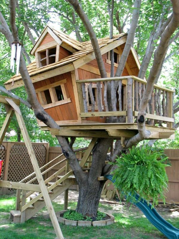 bauhaus-selber-bauen- gemütliches aussehen - Baumhaus bauen – schaffen Sie einen Ort zum Spielen für Ihre Kinder!