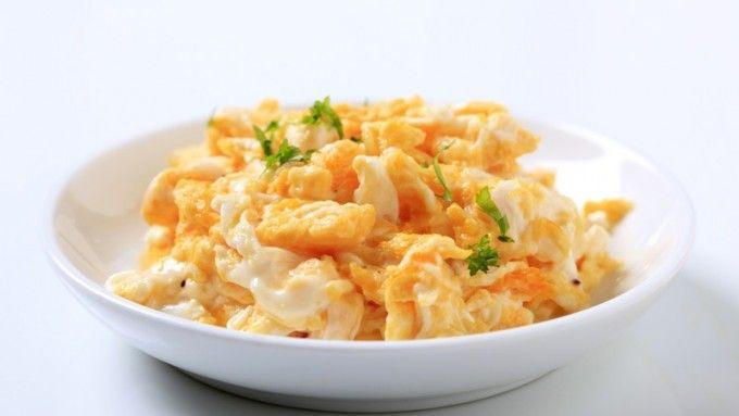 Dietetyczna jajecznica - przepis - Przepisy - Przekąski - Polki.pl