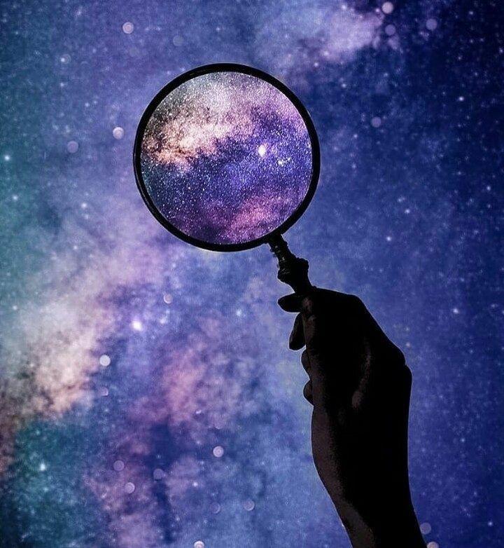 ✨Cuando aprendes a mirar con detalle cada señal del Universo, entiendes cual es tu lugar✨  Deja que la luz te guíe.  Pero sobre todo... Deja que la luz te transforme. ✨Feliz y Bendecida Noche✨✨