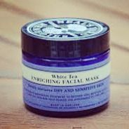 My date for the evening! Treating myself to a Neal's Yard White Tea Face Mask. An intensive nourishing treatment to restore vital moisture levels, plump the skin and help reduce the appearance of fine lines. It contains antioxidant white tea and purifying kaolin to get your skin cells singing! Plus, purchase this from our store before 14th July and you'll get a FREE Neal's Yard Frankincense Mist or eye makeup remover (place your order & leave your choice in comments)…