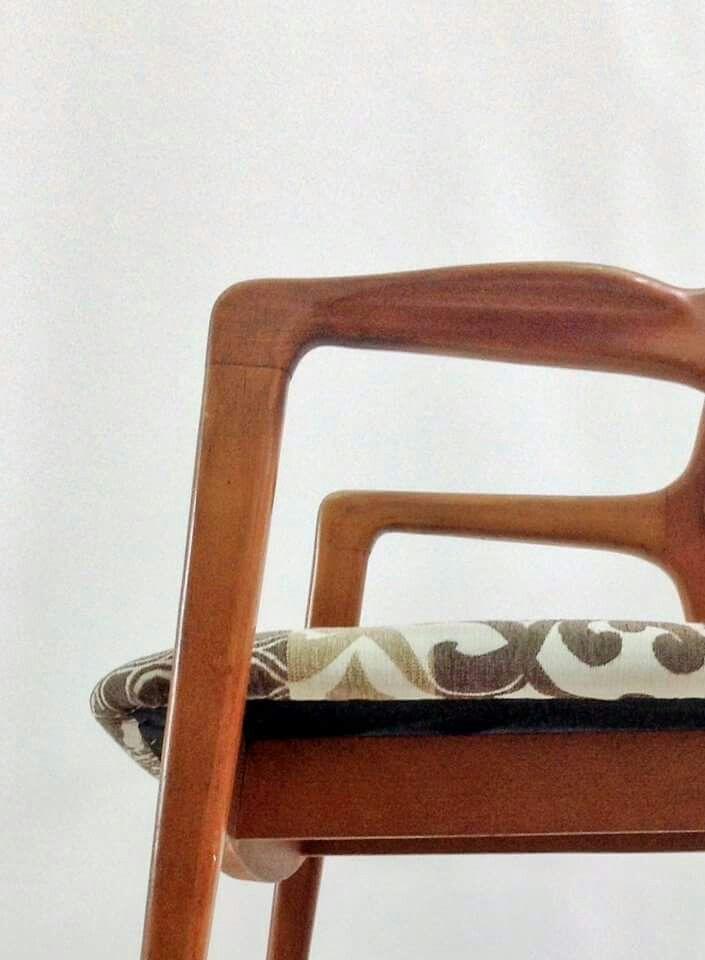 """Silla """"Diana"""" de moix - de aire modernista europeo años 50, madera de roble, rejilla teñida y tapicería en algodón. 80 €."""