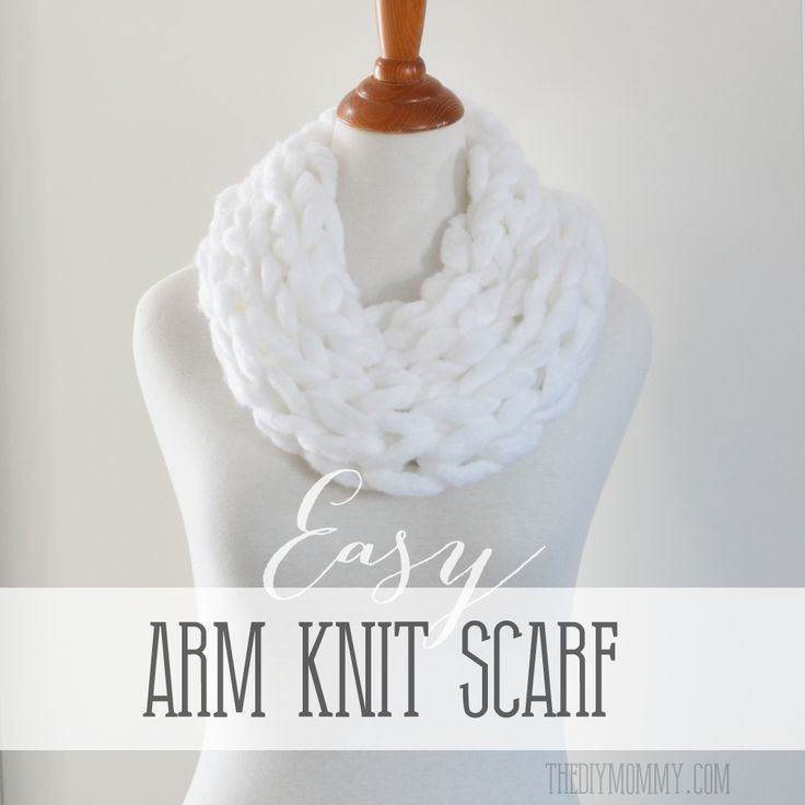 Make an Arm Knit Scarf | The DIY Mommy