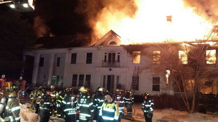 Historic Glen Cove mansion destroyed by fire, mayor says