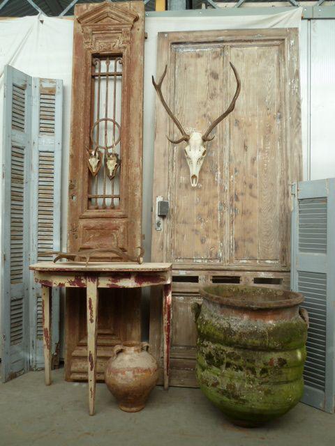 Op zoek naar antieke Louvre of paneelluiken, deuren, oude bouwmaterialen, geweien, fotolijsten