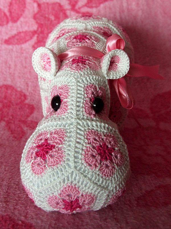 Happypotamus -   Cute amigurumi crochet hippo!