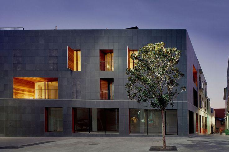 Proyecto ganador de la '5a Bienal de arquitectura del Vallès'. 2009