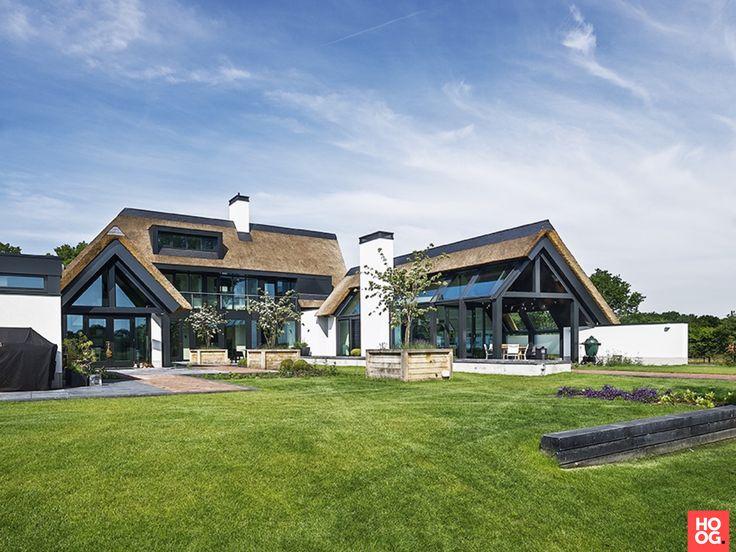 25 beste idee n over huis buitenkant design op pinterest stenen buitenkant huizen huis - Buitenkant terras design ...
