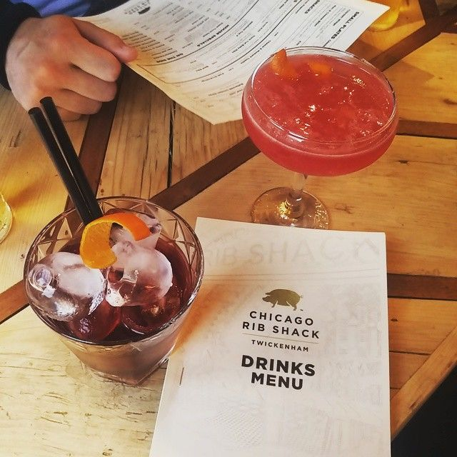 kelly_mary_emma #chicagoribshack #cocktails #Cosmo #twickenham