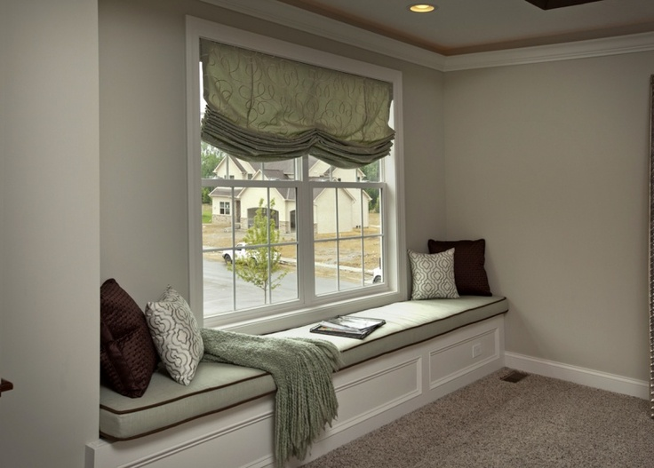 A private reading nook in the master bedroom. | 3 Pillar ...