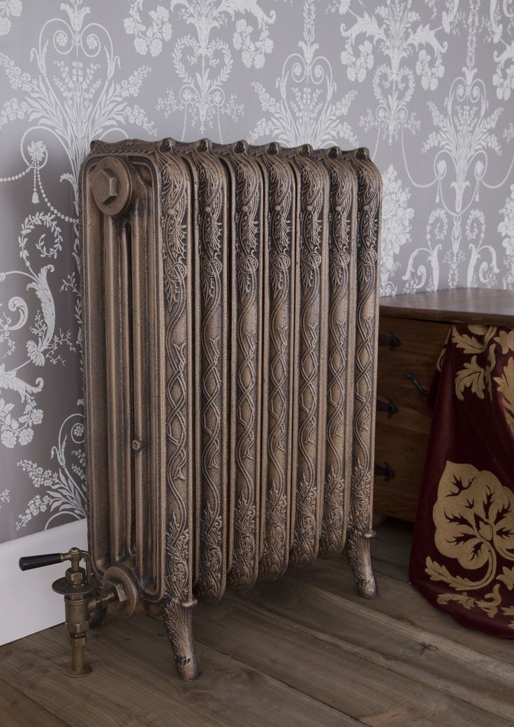 The Ribbon cast iron radiator features a Celtic pattern gracefully flowing down the radiator.