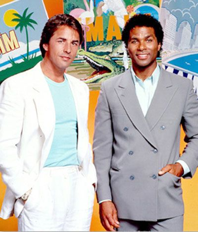 Traje-blanco=MIAMI VICE