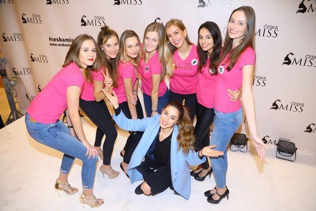 """Česká Miss 2018 zná prvních 7 semifinalistek [vc_row][vc_column][vc_column_text]Česká Miss 2018 zná prvních 7 semifinalistek, je mezi nimi i nejvyšší dívka vhistorii soutěže – Veronika Zemánková se 183 centimetry [/vc_column_text][/vc_column][/vc_row][vc_row][vc_column width=""""1/2″][vc_column_text] První zastávka castingové tour... http://prazsky-zpravodaj.cz/soubyznys/ceska-miss-2018-zna-prvnich-7-semifinalistek/ http://prazsky-zpravodaj."""