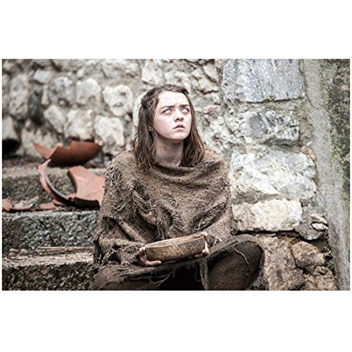 Game of Thrones Maisie Williams as Arya Stark Blind and Begging 8 x 10 inch photo