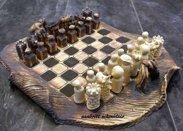 chess,stoneware,sculpture.