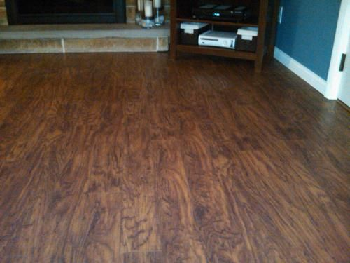 Pergo Xp Highland Hickory 10 Mm Thick X 4 7 8 In Wide X 47 7 8 In Length Laminate Flooring 393 Sq Ft Pallet