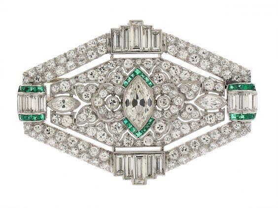 Art Deco Emerald and Diamond Brooch in Platinum #505543