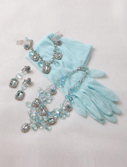 ウエディングドレス、高品質な結婚式ドレスならW by Watabe Wedding / ブルーグリーン・マリン・サテン・プリンセスライン・カラードレス