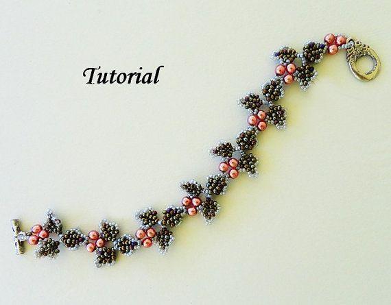 Anleitung zum Perlenstickerei-Weben von PeyoteBeadArt auf Etsy   – Tila, superduo etc. bead projects