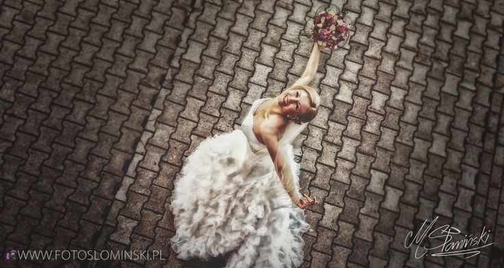 Jestem fotografem ślubnym który kocha ludzi i życie. Uwielbiam fotografować to co najpiękniejsze w ludziach.  Link: Fotografia Artystyczna Słomiński