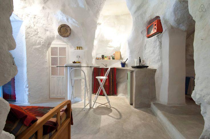 необычный дом пещера