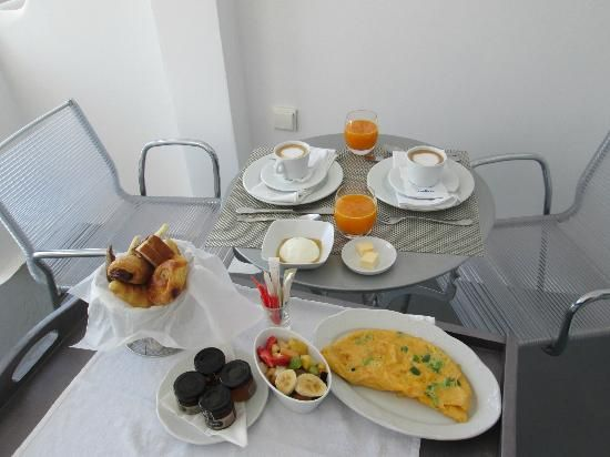 VILLA KATIKIES Santorini   Our breakfast