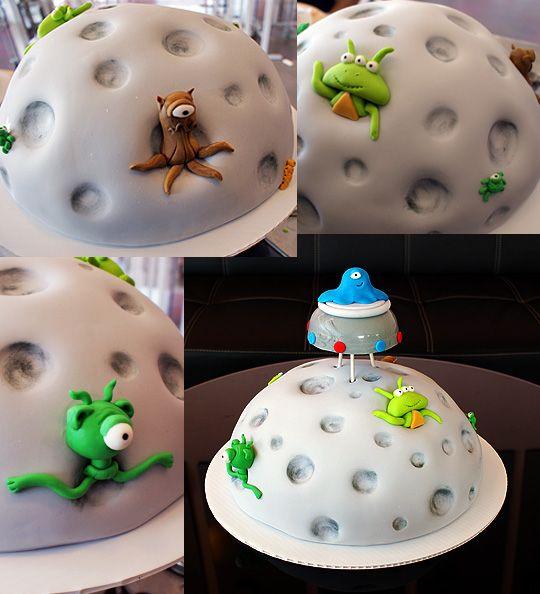 Alien Birthday | Oklahoma's Premier Wedding Cake Designer and Sugar Artist
