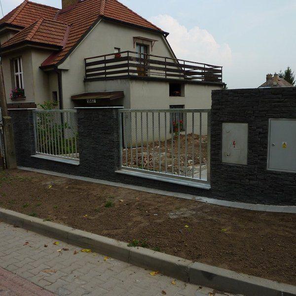 Kovový plot - realizace Kuřim