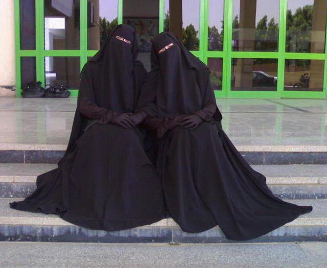 Masha-Allah Tabarak-Allah beautiful sisters (GOALS!!!)