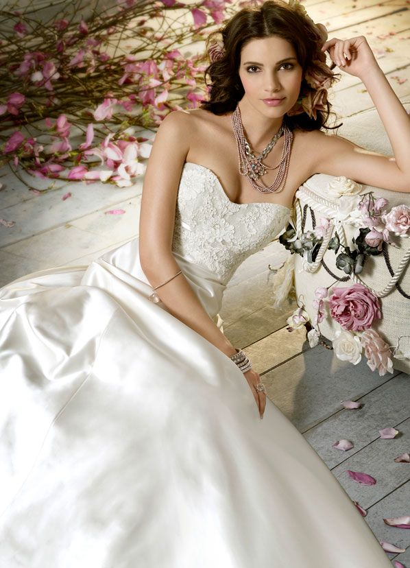 Dreaming Bridal Gown So Beautiful Find This Pin And More On The Wedding Bell Okemos