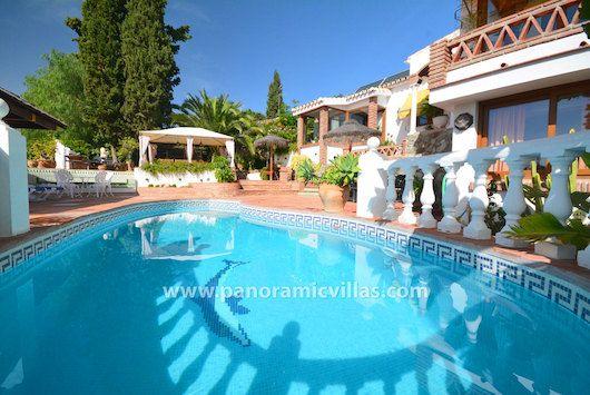 #Mijas 5 Bed Holiday Villa with Private Pool  #LaSierrezuela