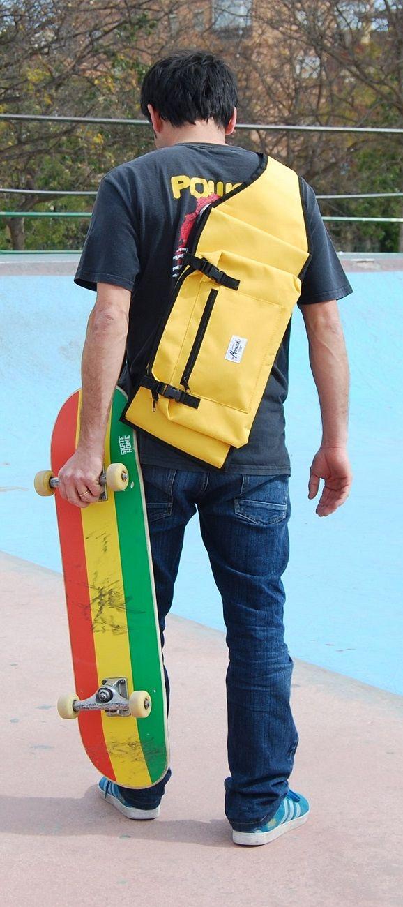 Skateboard backpacks in yellow for skaters