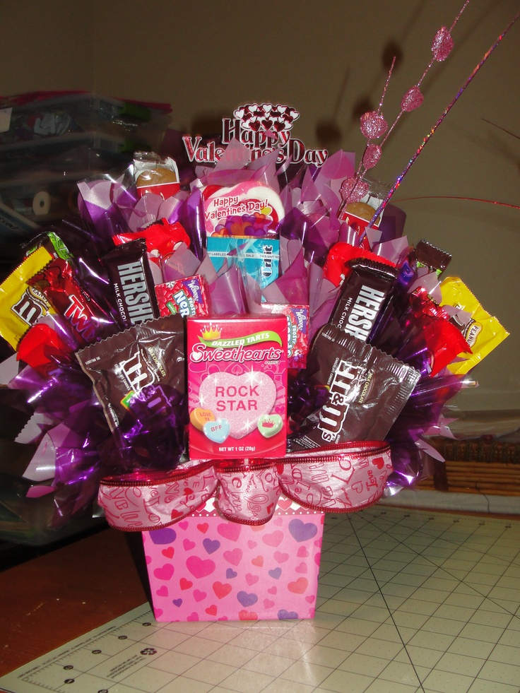 75 best images about candy bouquets on pinterest for Valentine candy crafts ideas