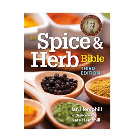 From bay leaves to lemongrass to vanilla beans, a well-stocked kitchen must have a wide selection of herbs and spices. Paperback. 800 pages. Inside: Demystify the art of combining herbs and spices to enjoy a world of flavours. Entries are listed alphabetically with detailed colour photos of every herb and spice. © Robert Rose. Books may only be returned in their original and unopened packaging.